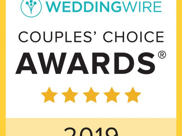 WeddingWire Couples' Choice Awards 2019 text and five golden stars