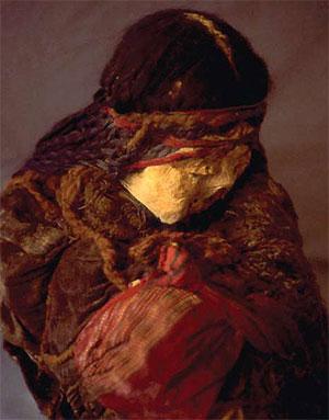mummified heads with lice