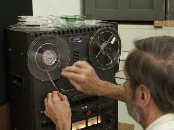 Webber operating tape player