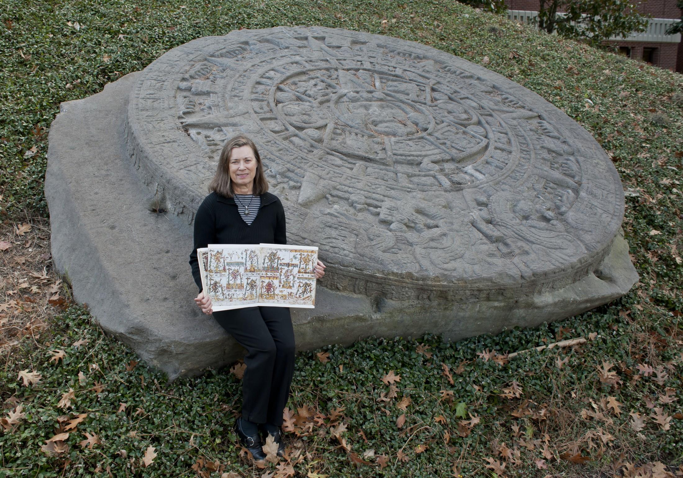 Aztec Calendar Stone.Ominous New Interpretation Of Aztec Sun Stone Florida Museum Science