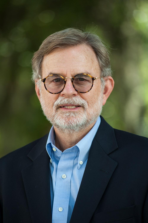 Bruce MacFadden