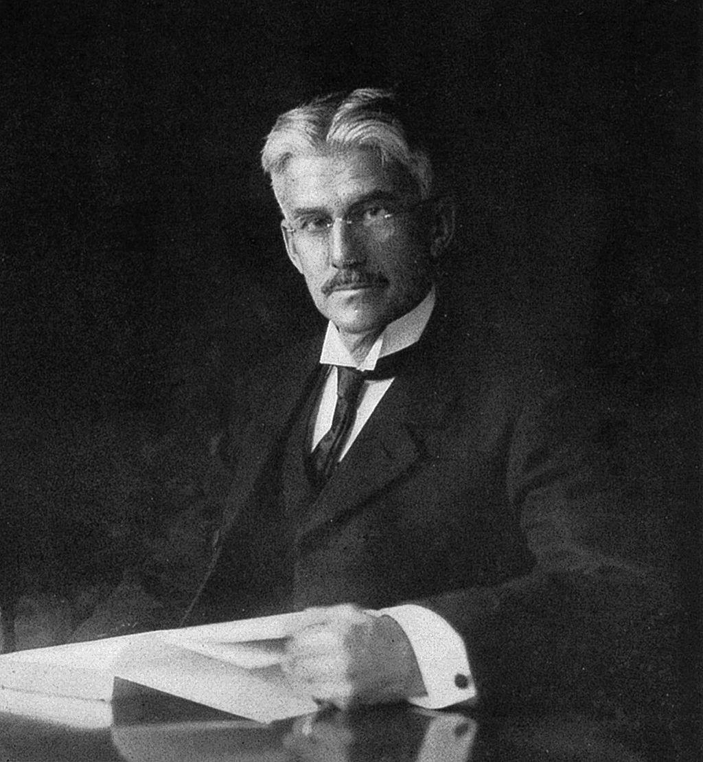 black-and-white photo of Munsell