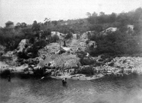 Figure 2. Excavation on the south bank at the Vero Canal Site in 1916. Photo credit: State Archives of Florida, Florida Memory.