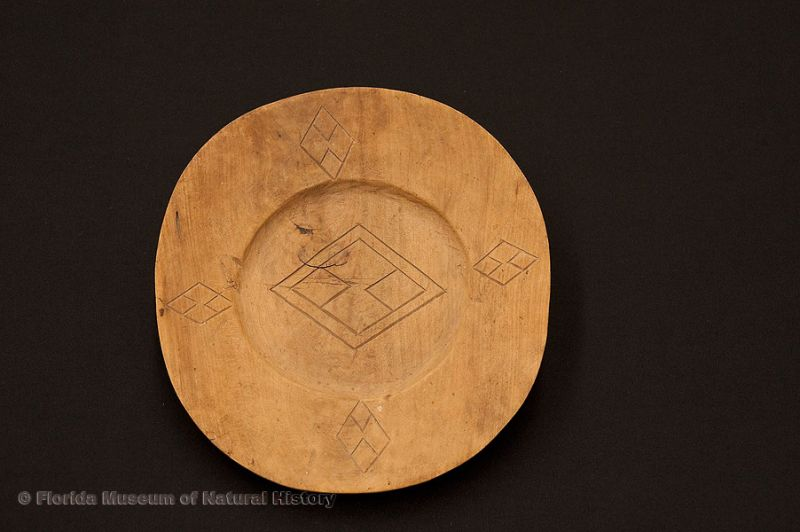 "Plate, Miccosukee, wood, made in 1949 by The Frog (Miccohatchee) at Everglades City for Deaconess Bedell, 8.9"" diameter (E-883)."