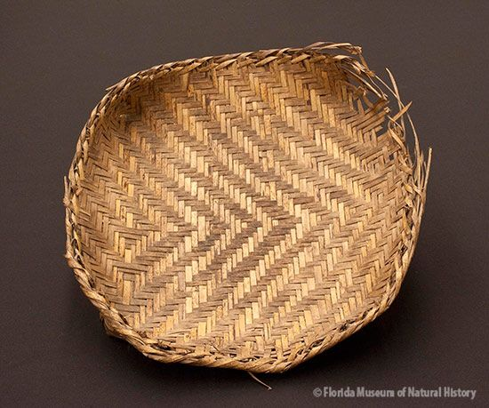 Basket, Miccosukee, split palmetto. 3/3 twill, ca. 1942, 6 x 36.5 x 34 cm. Made by Ada Tiger, collected by John M. Goggin (3933-92913).