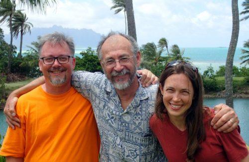 Gustav,Mandy, John posing outside