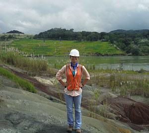 Sarah Widlansky, PCP PIRE Fall intern at the Panama Canal area. © Photo courtesy of Sarah Widlansky.