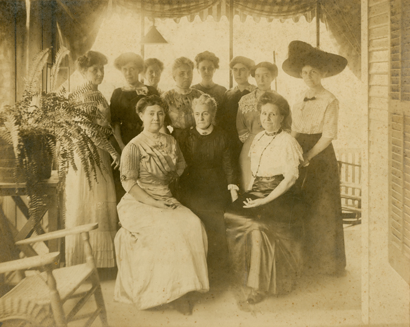 Group portrait of the Florida Federation of Women's Clubs' members.