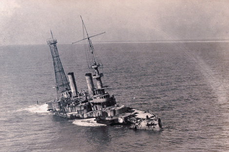 old photograph of ship sinking
