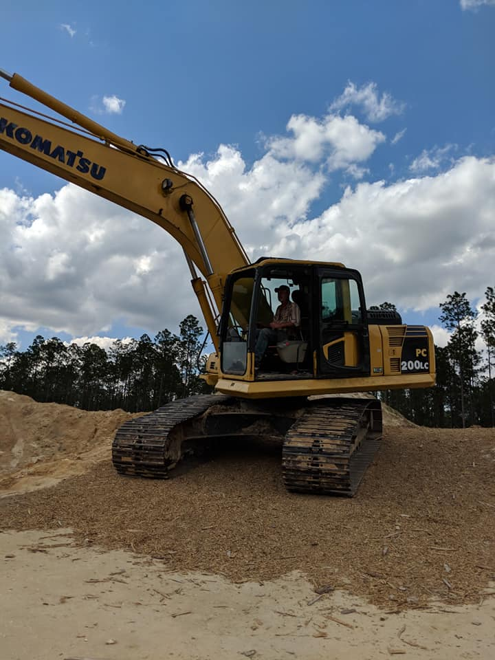 2019-03-26 excavator skillfully driven by Tim Wilkerson.